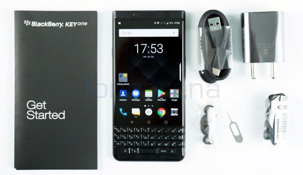 BlackBerry KEYone_fonearena-02
