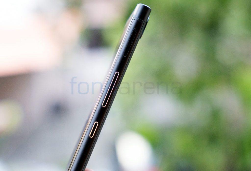 BlackBerry KEYone_fonearena-11
