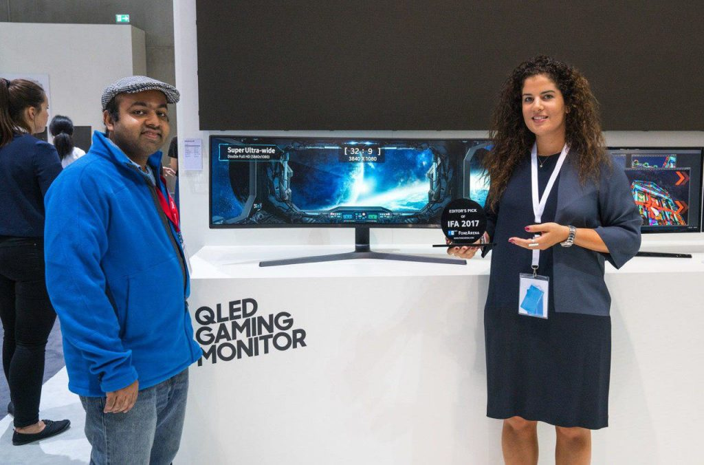 FoneArena Editor's Pick of IFA 2017 Samsung 49-inch QLED Gaming Monitor