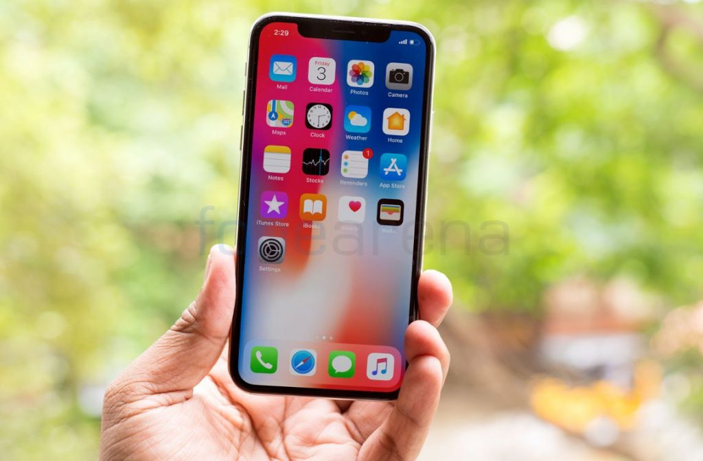 iPhone X OLED screen burn-in and off-angle colour shifts are normal says Apple