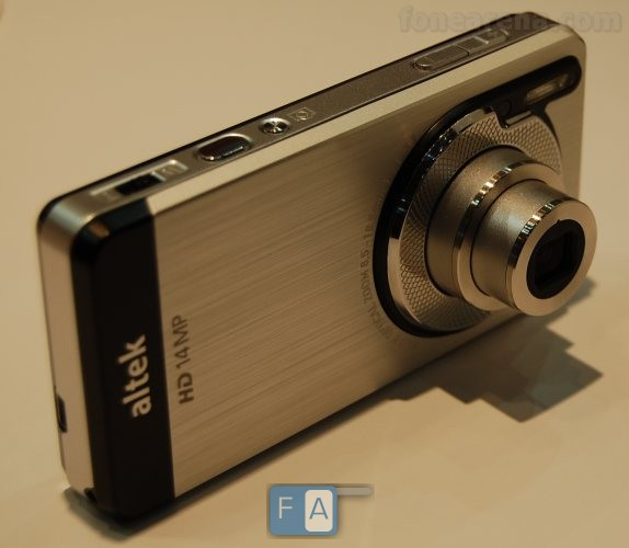 Altek Leo: The first camera phone with optical zoom