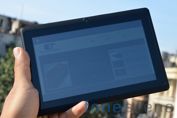 Aakash-Ubislate-C7i-tablet-7