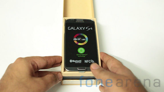 samsung-galaxys4-unboxing_india10