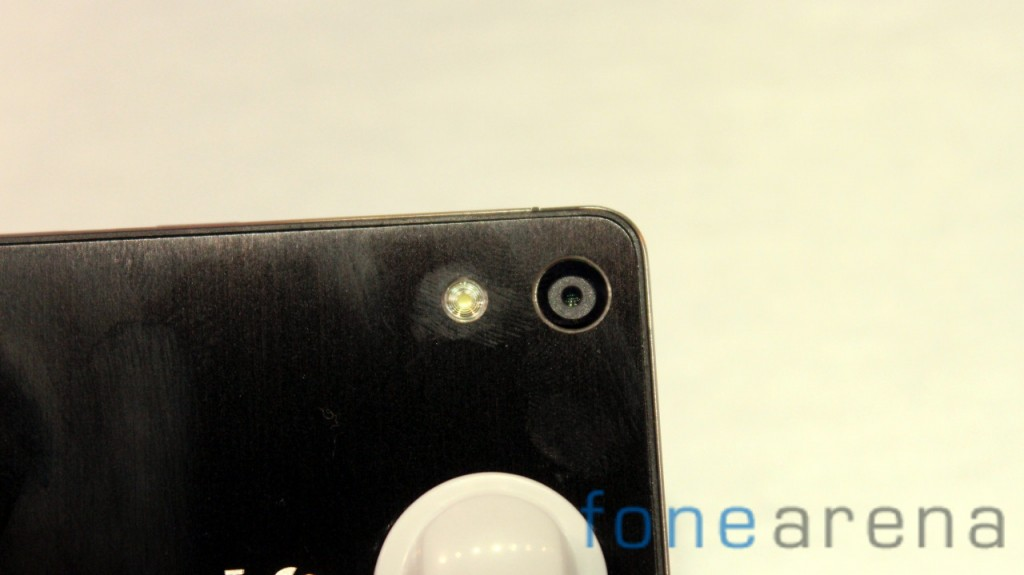 Huawei-Ascend-P6-Black-Camera