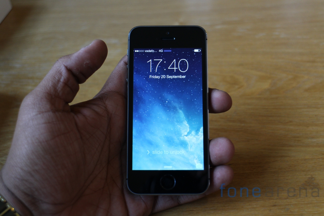 Apple Iphone 5s Space Grey Front In Hand Fone Arena