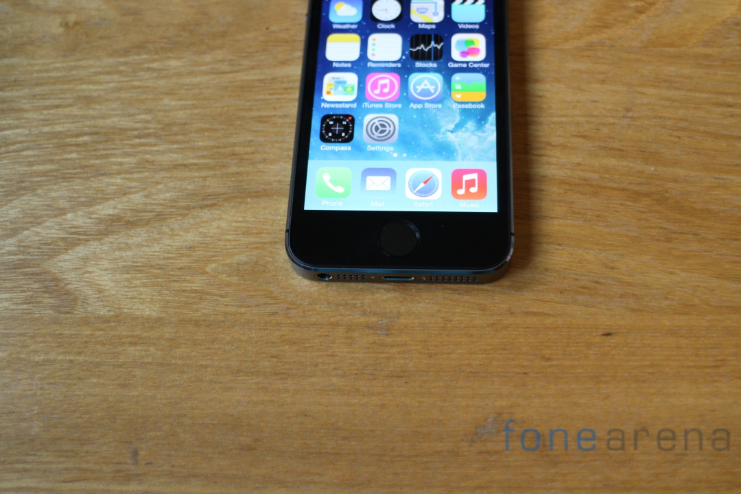 Apple-iPhone-5S-Space-Grey-Touch-ID