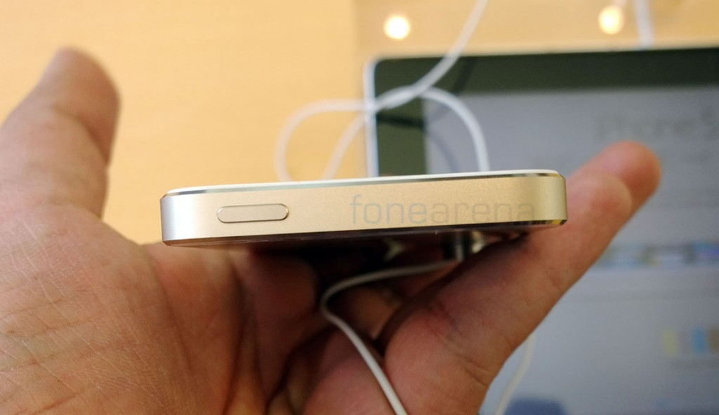 apple-iphone-5s-gold-hands-on-8