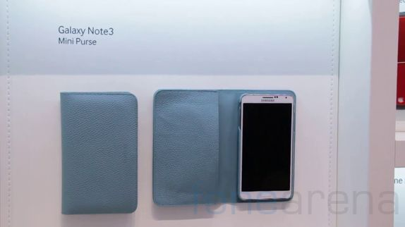 galaxy-note-3-accessories-hands-on-3