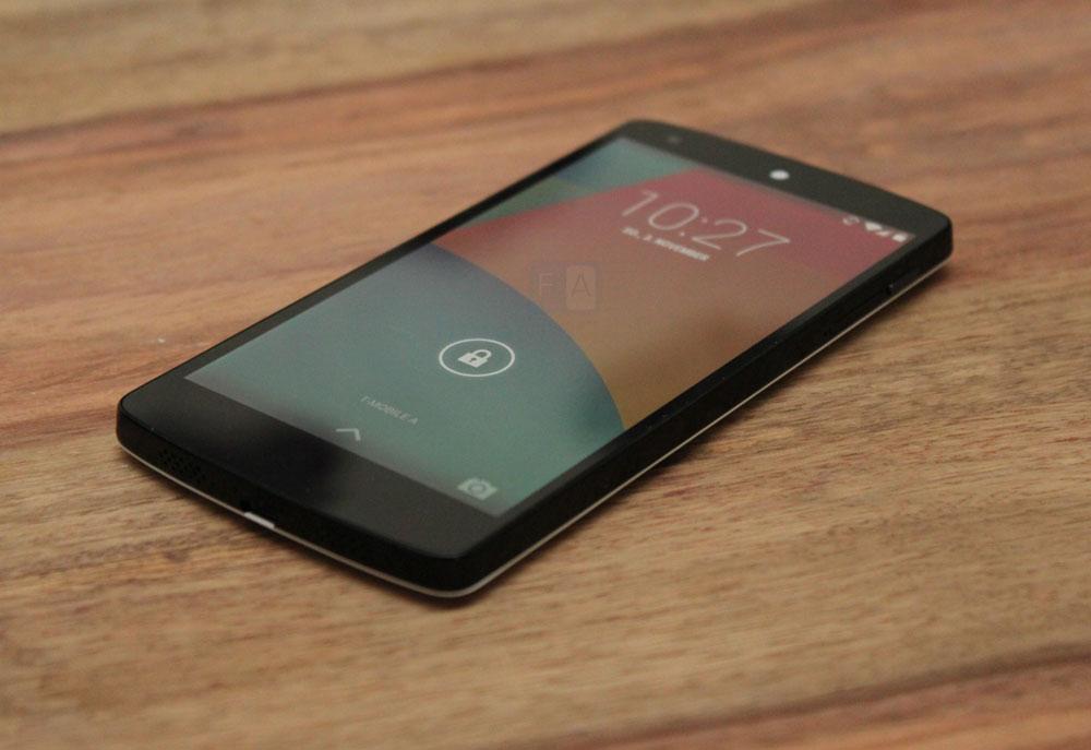 Google-LG-Nexus-5-14
