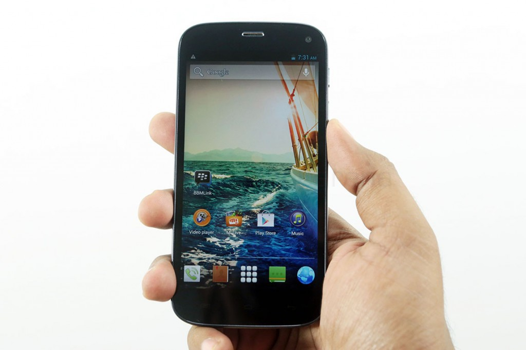 micromax-canvas-turbo-unboxing-2
