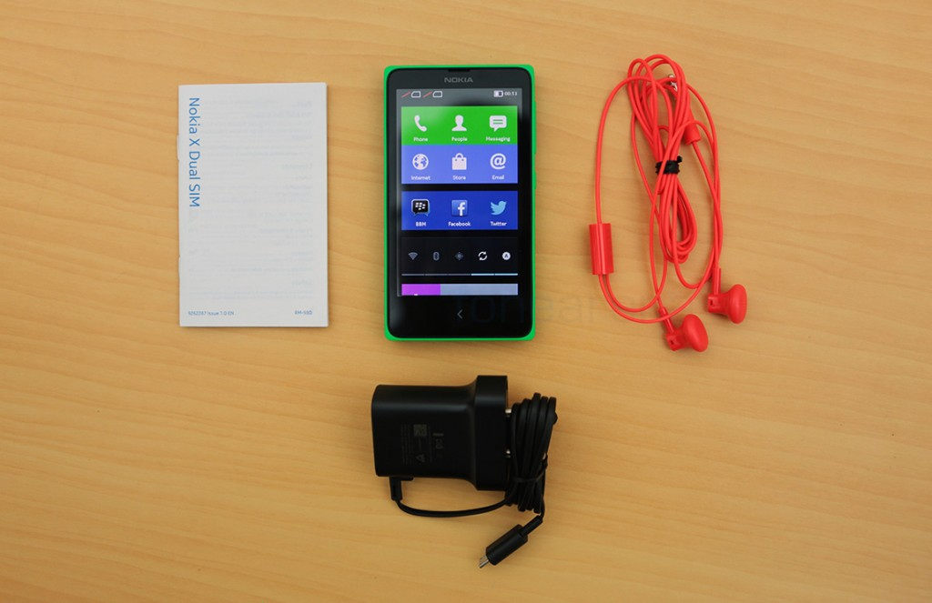 Nokia-X-Android-Phone-Unboxing-4