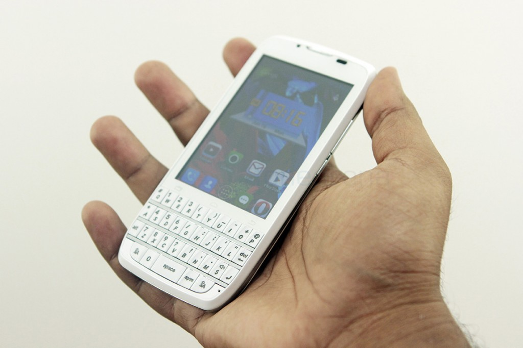 spice-stellar-360-qwerty-review-12
