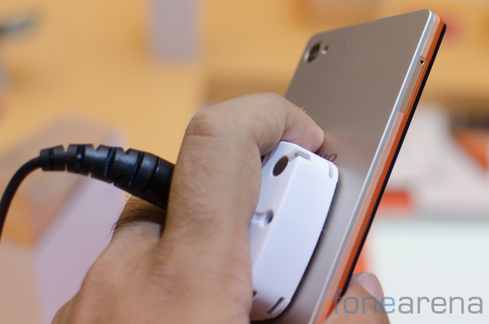 buy online 82cb5 17aa2 Lenovo Vibe X2 Hands on and Photo Gallery