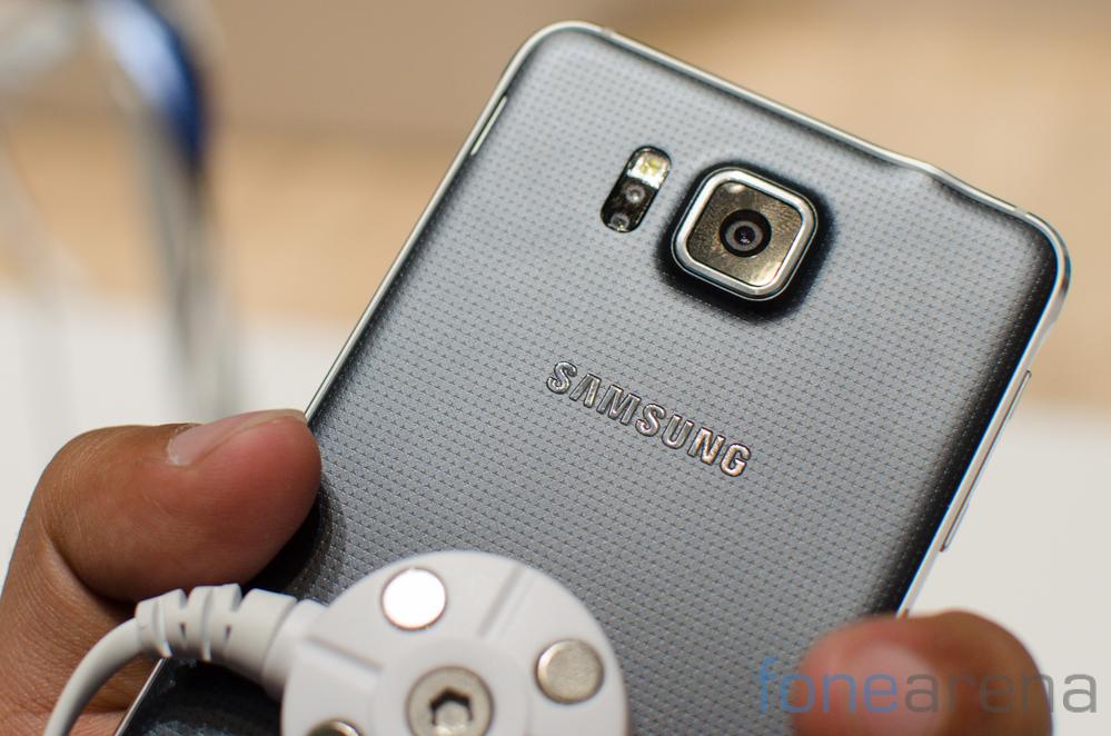 Samsung Galaxy Alpha -4