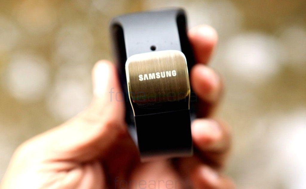 Samsung-Gear-S_fonearena-031