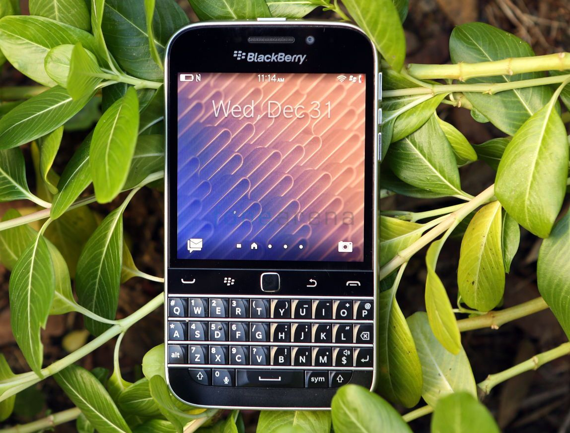 BlackBerry Classic_fonearena-13