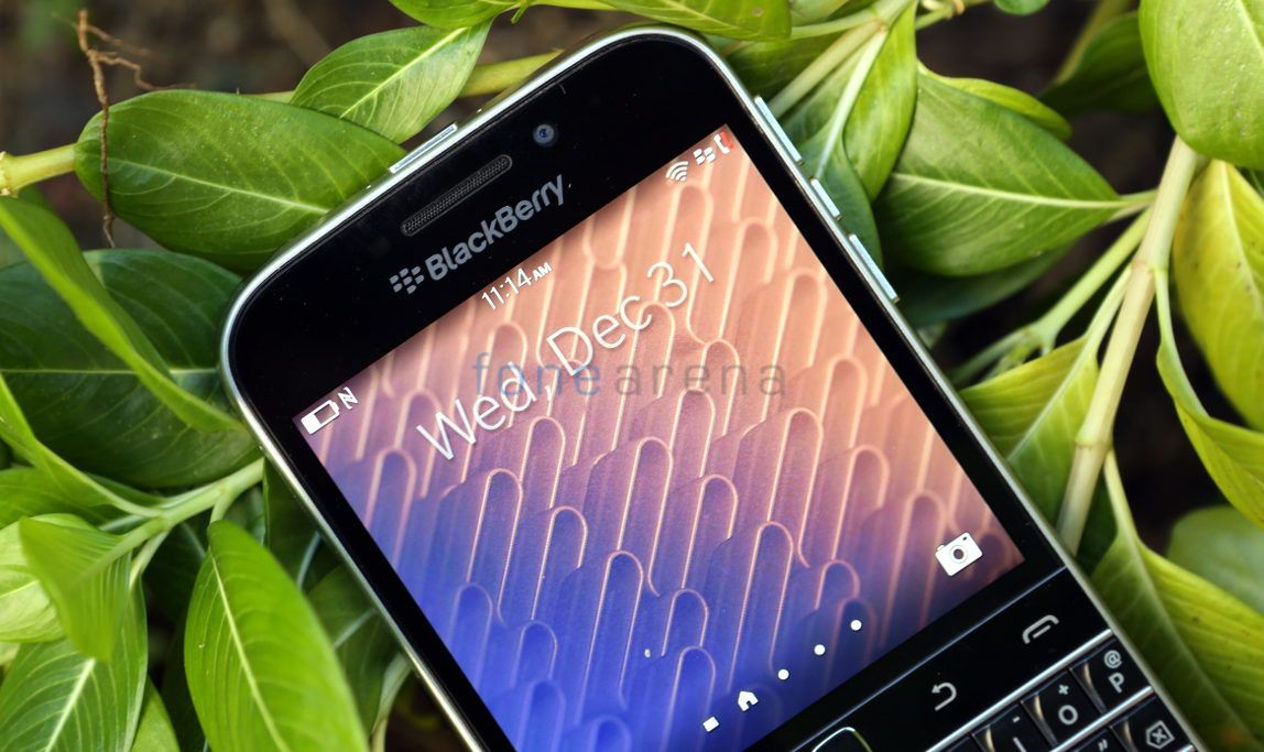 BlackBerry Classic_fonearena-14