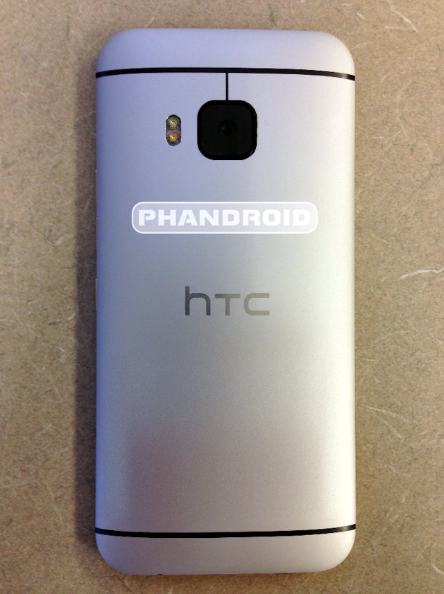 HTC One M9 back leak