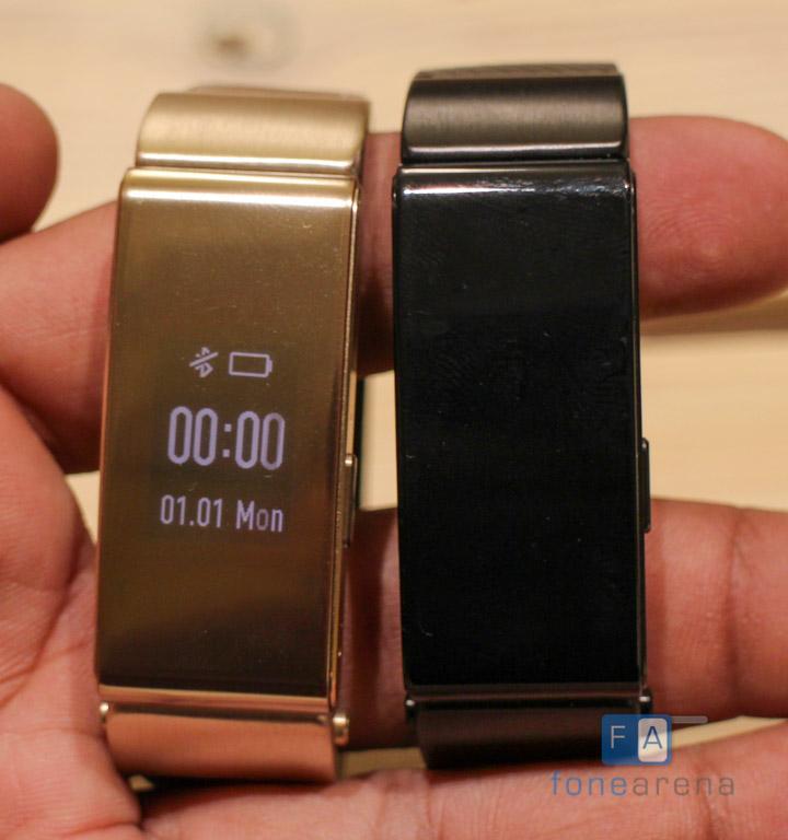 Huawei-Talkband-B2-Hands-On-Black-vs-Gold9