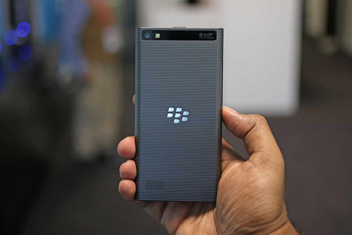 blackberry-leap-photos-14