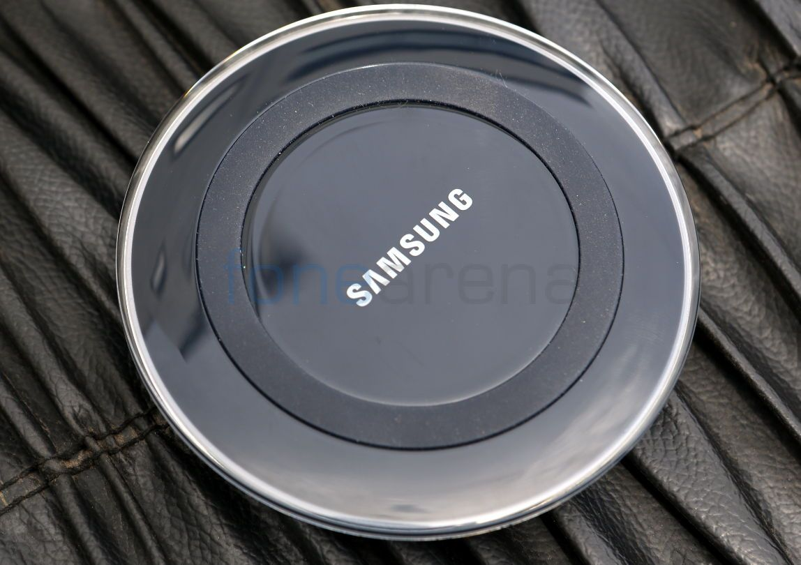 new arrival 5c69d 986fe Samsung Galaxy S6 and S6 Edge Wireless Charger Unboxing and Demo