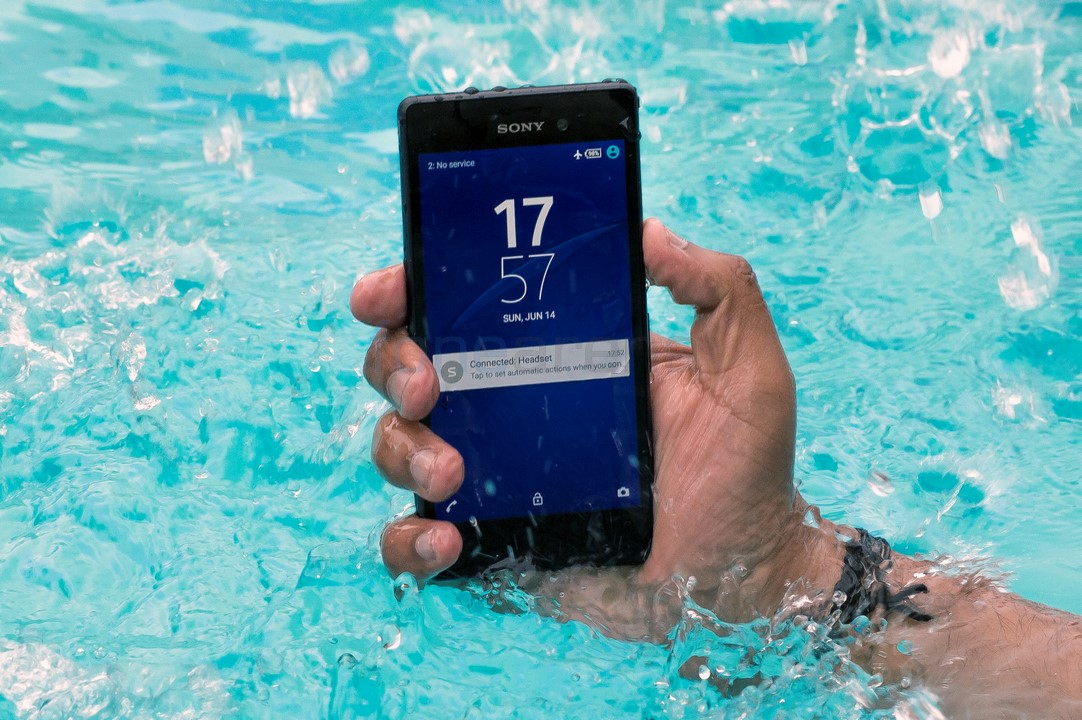 finest selection 4ee55 d2659 Sony XPERIA M4 Aqua Dual Review