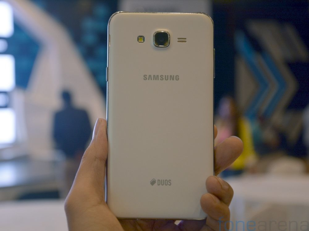 samsung-galaxy-j7-hands-on-fonearena-4