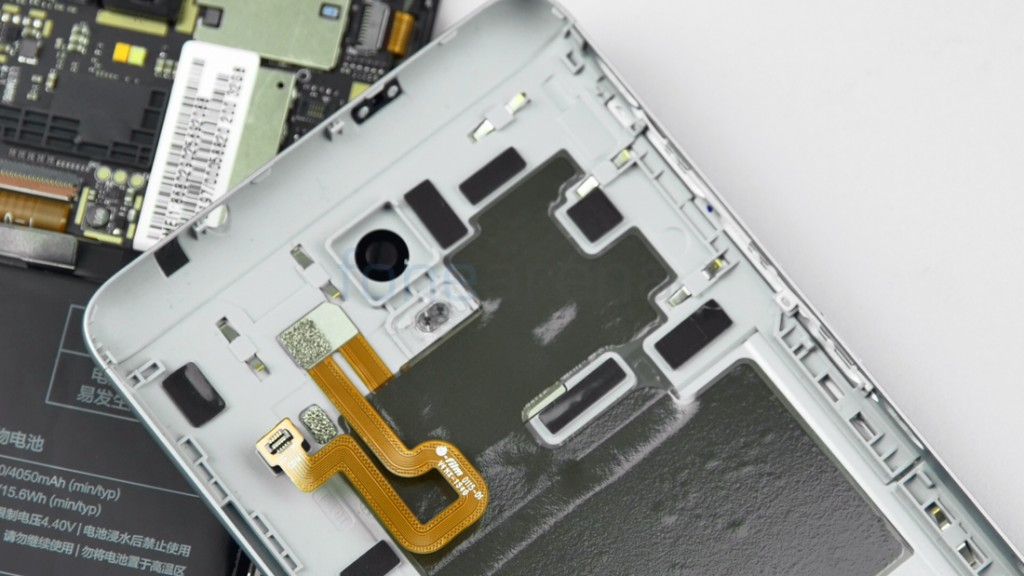 Xiaomi-Redmi-Note-3-Teardown-15