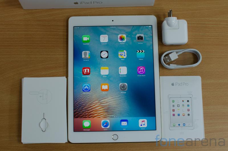 iPad Pro 9.7 Unboxing -8