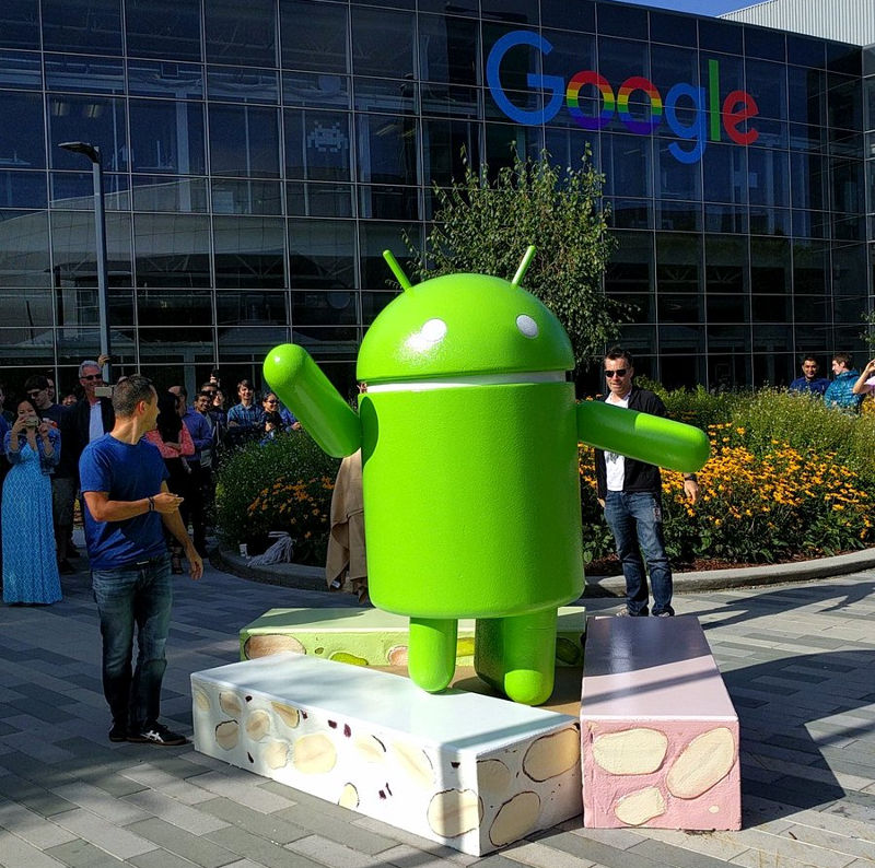 google-android-nougat-statue