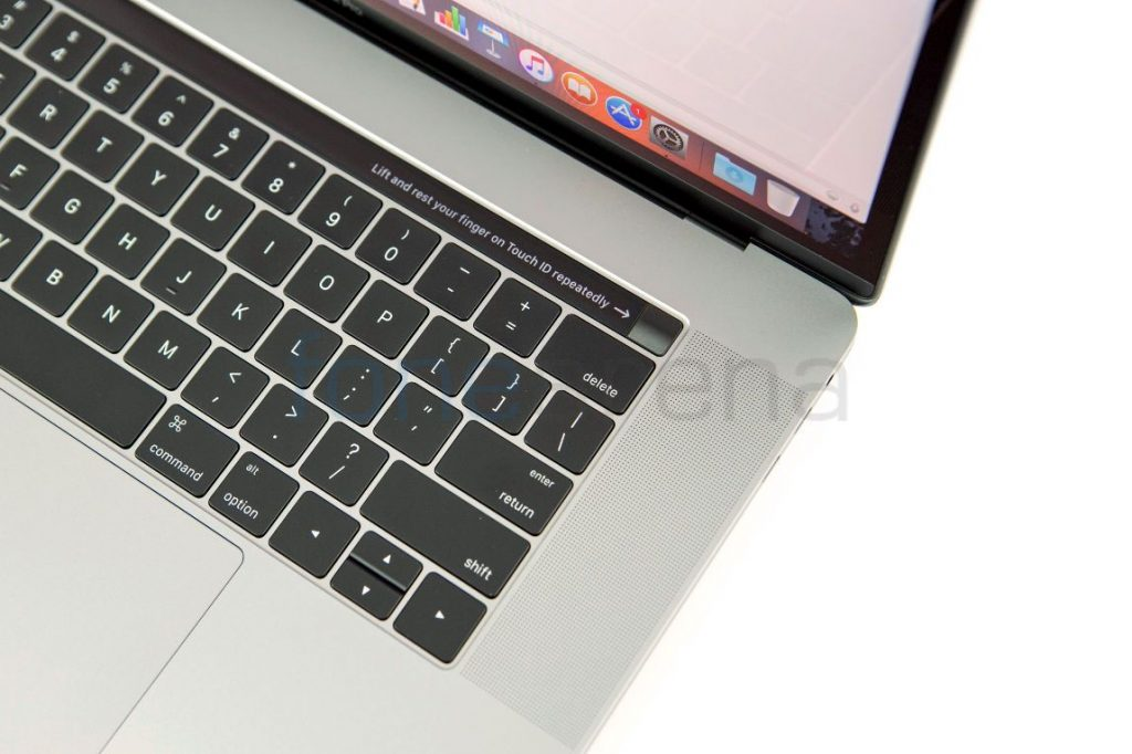 macbook-pro-2016-15-inch-touch-bar_fonearena-008