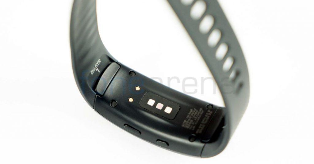 Samsung Gear Fit 2_fonearena-02