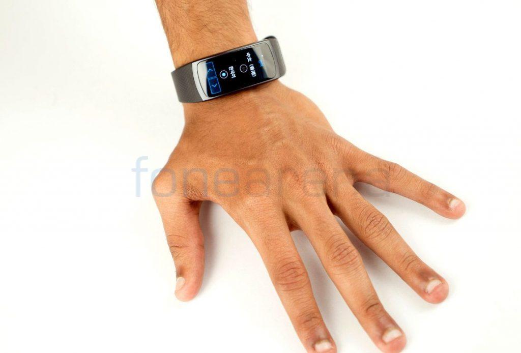 Samsung Gear Fit 2_fonearena-04
