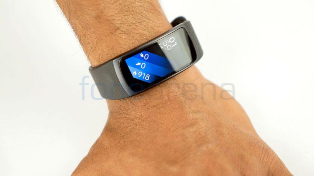 Samsung Gear Fit 2_fonearena-05