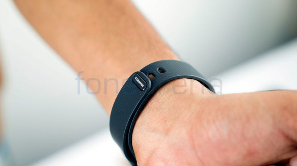 Samsung Gear Fit 2_fonearena-06