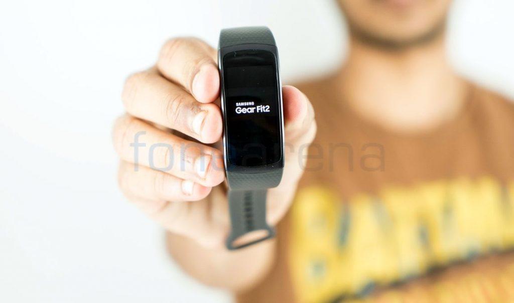 Samsung Gear Fit 2_fonearena-07