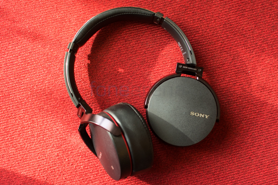 Sony MDR-XB950B1 Extra Bass Headphone Review -1