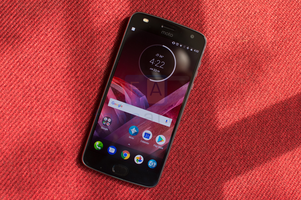Moto Z2 Play Review -1