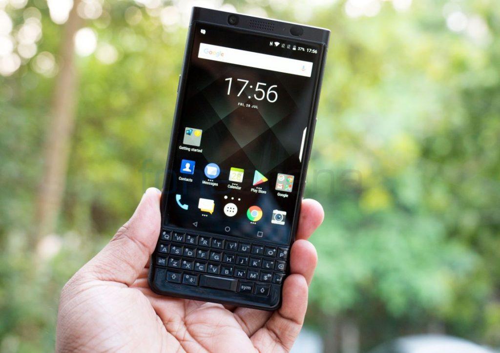 BlackBerry KEYone_fonearena-04