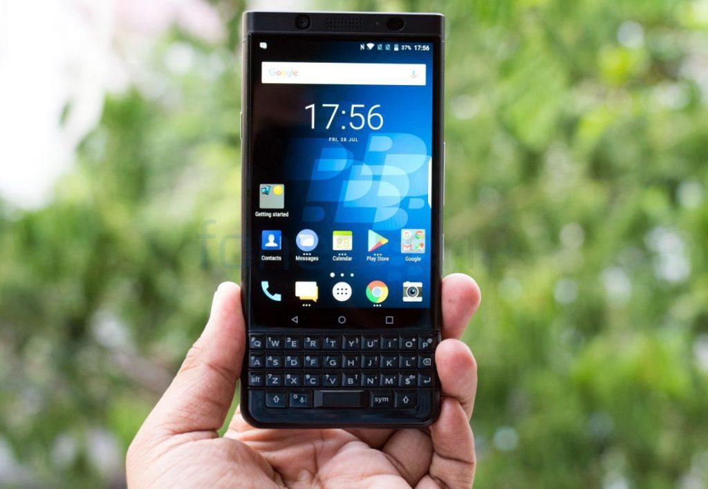 BlackBerry KEYone_fonearena-06
