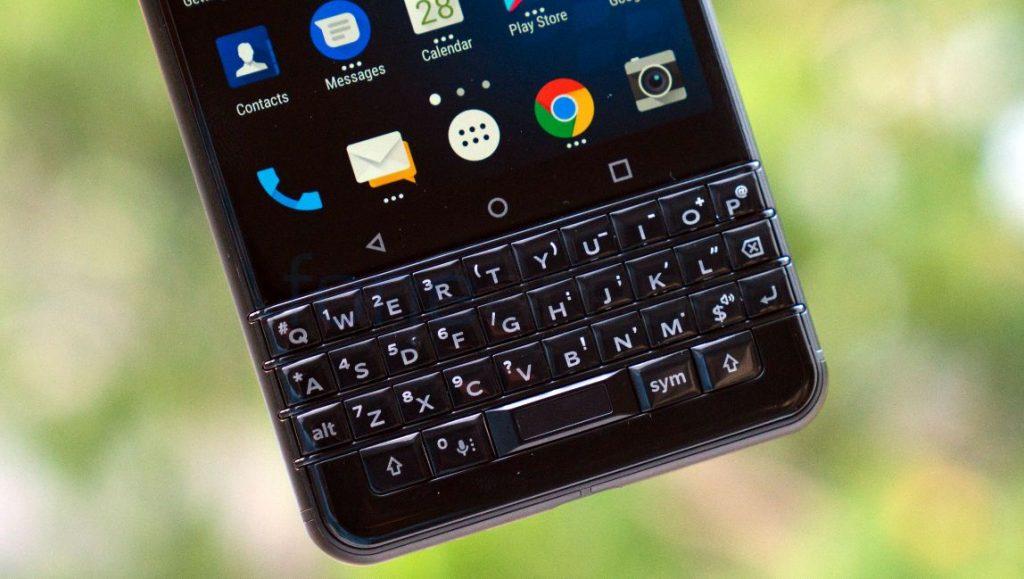BlackBerry KEYone_fonearena-08