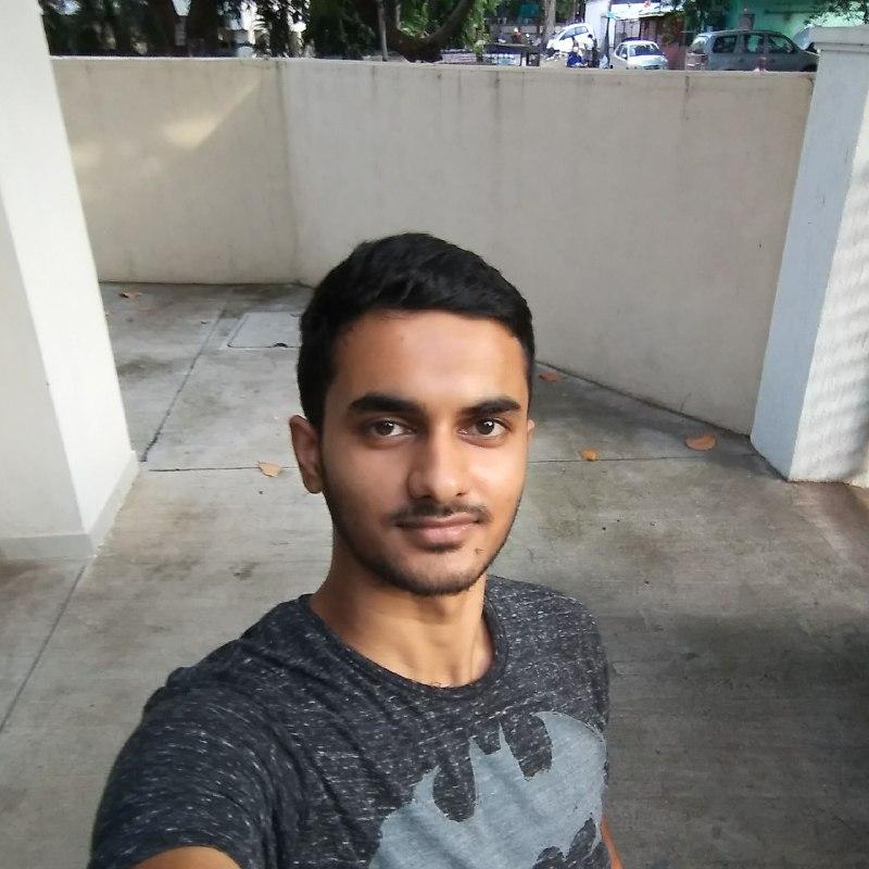 LG-Q6-Selfie