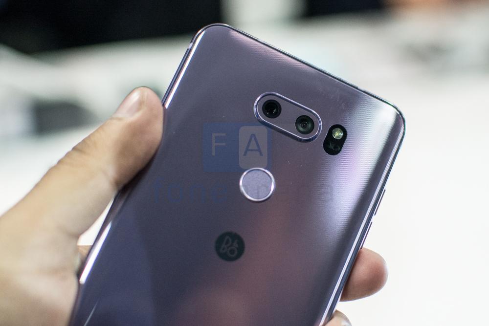 LG V30 -3