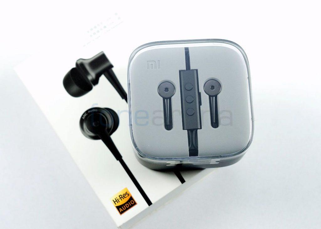 5a8b20c7032 Xiaomi Mi Noise Cancelling USB Type-C Earphones Unboxing
