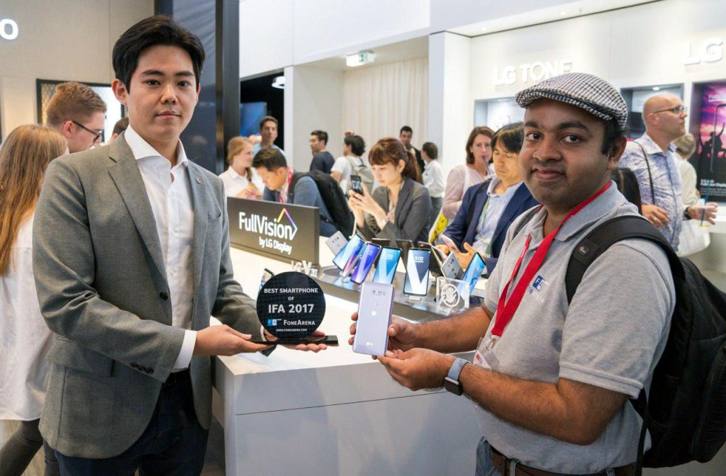 FoneArena Best Smartphone of IFA 2017 LG V30