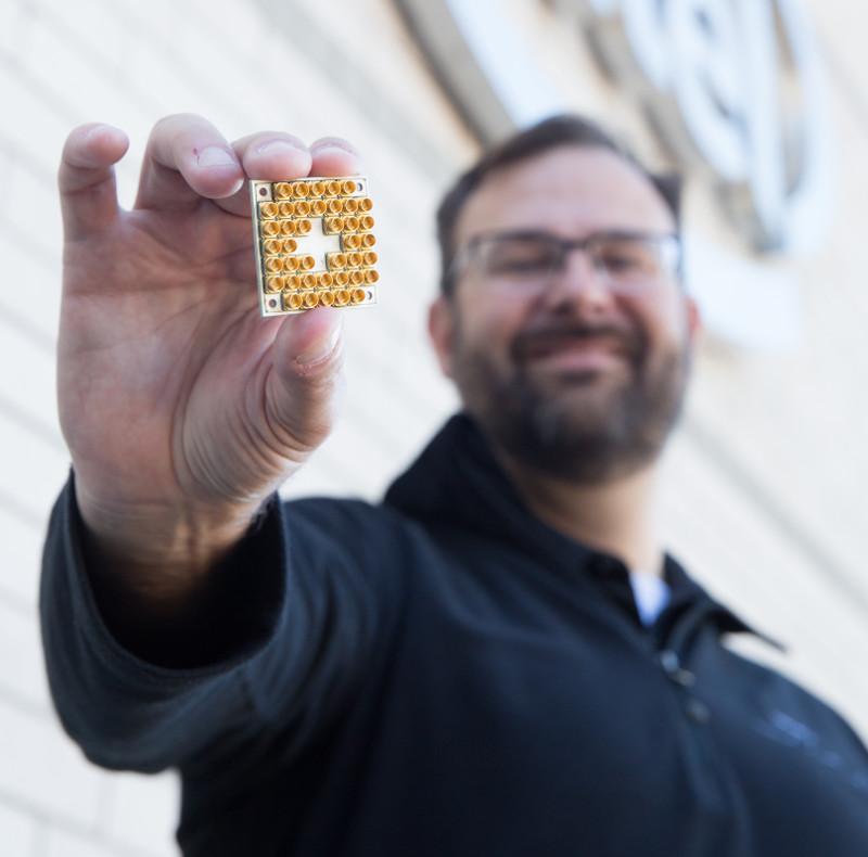 Intel Quantum 17-Qubit