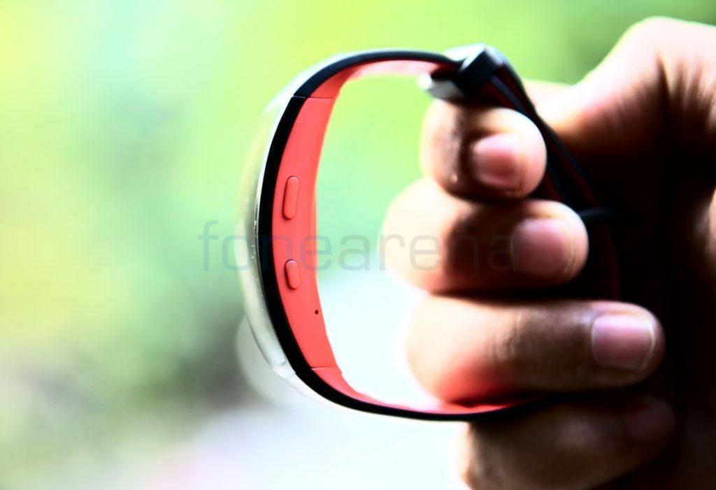 Samsung Gear Fit 2 Pro_fonearena-5