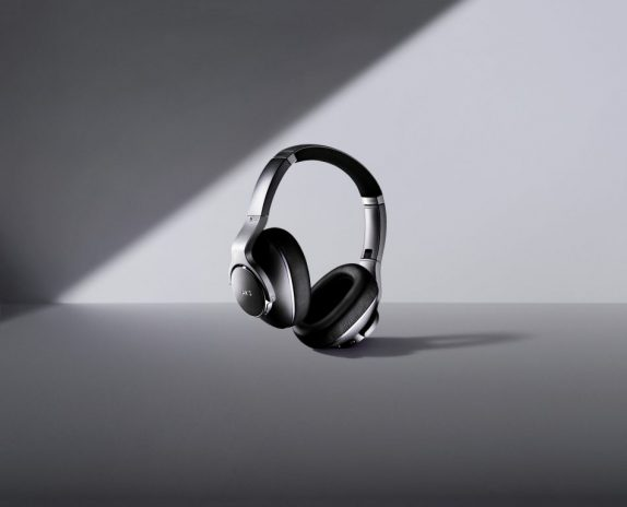 AKG N700NC, Y500, Y100 wireless headphones announced