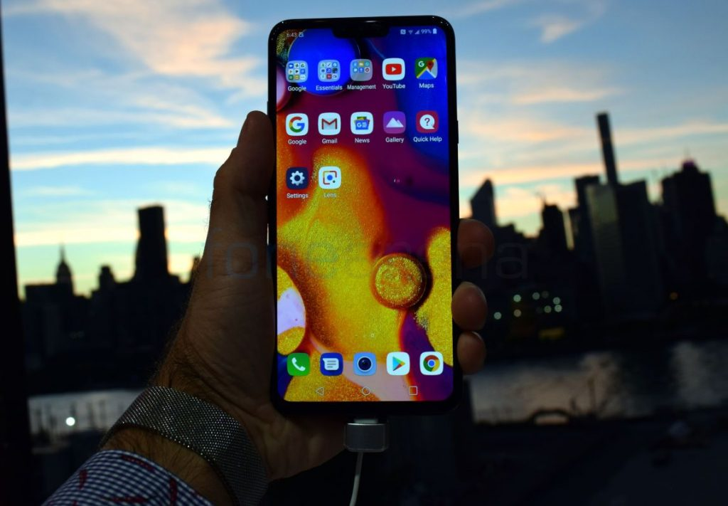 LG V40 ThinQ and Watch W7 Hands On – Five Cameras and Two Hands
