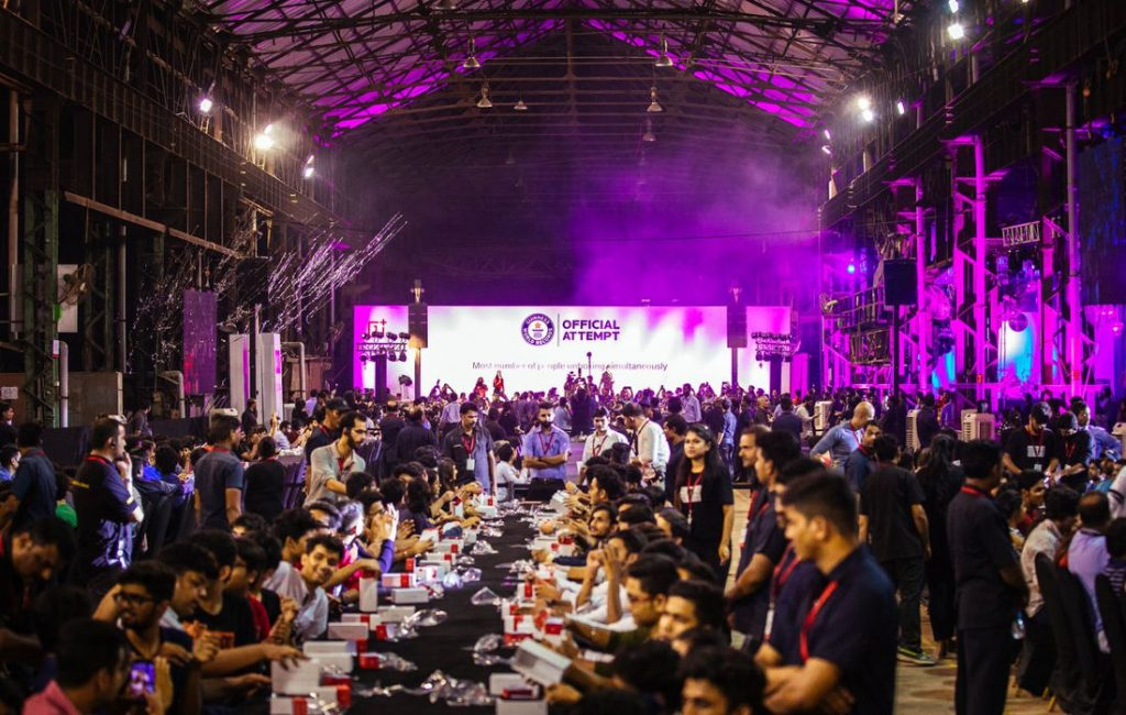 OnePlus creates new Guinness World Record for most number of people unboxing simultaneously